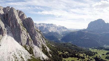 Das isar film Team in den Alpen für die Produktion der Fernsehsendung Von Höhen und Tiefen