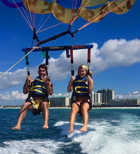 Parasailing In Destin Behind Pompano Joe S Seafood In