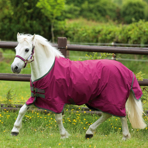 The Amigo Hero 6 Lite 0g Pony Is A Waterproof And Breathable 600 Denier Rug From Horseware Range It Offers Strength Performance For Use