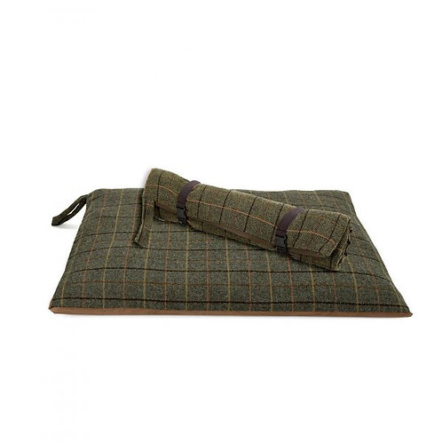 TWEED MILL TRAVEL DOG BED