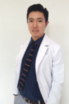 dr hwong pic.jpg
