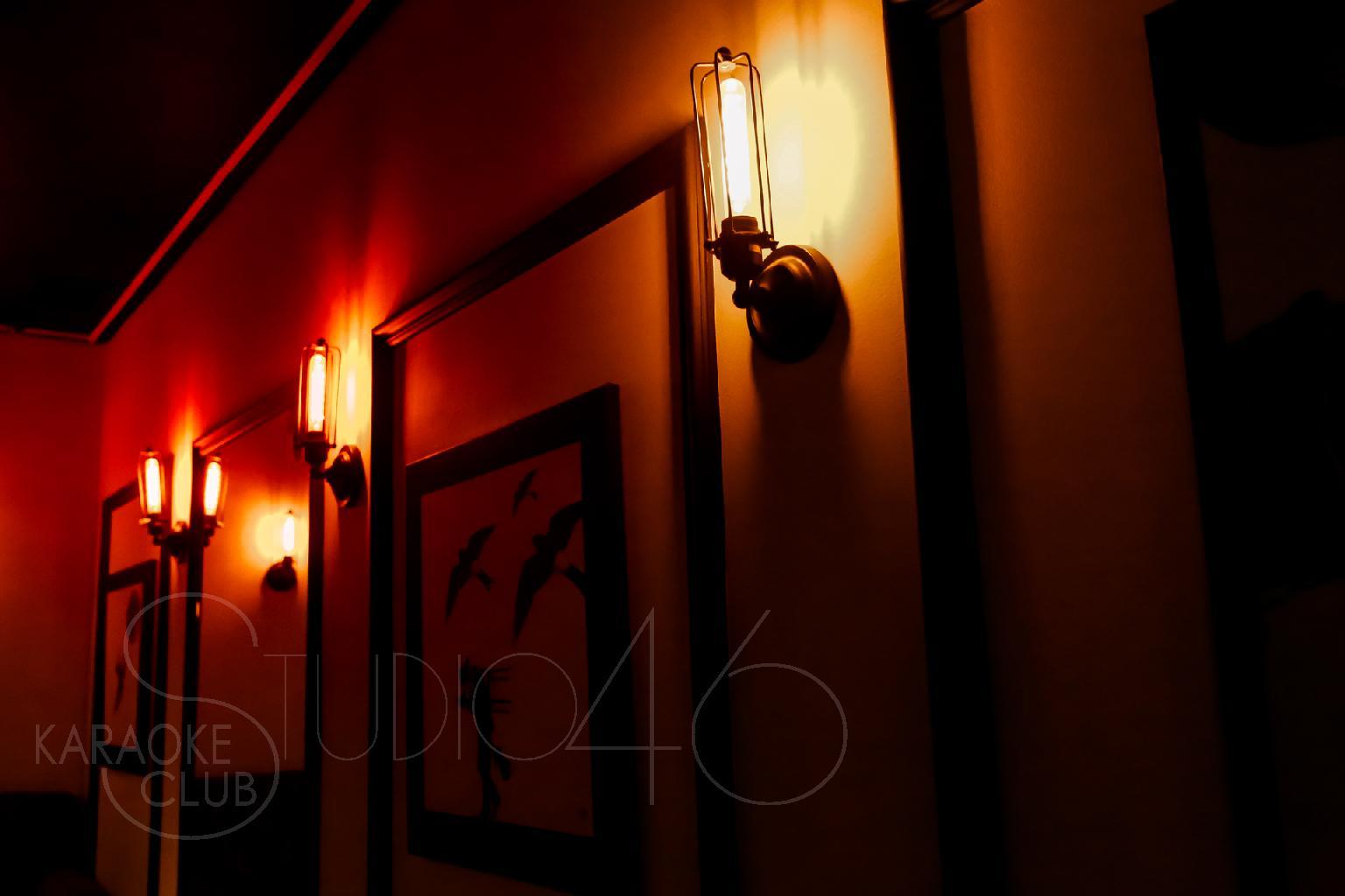 01931990_studio46