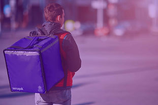 The standard carrier holds up to 30 litres and can be used for hot and cold food. The insulation protects the contents, providing hours of thermal preservation. The carrier is available with comfortable carry handles and a shoulder strap, or as a backpack which is more ideal for bicycle or motorbike riders.
