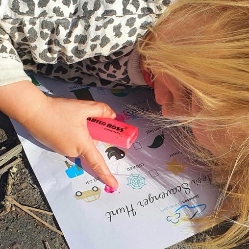 outdoor game scavenger hunt for children on holidays