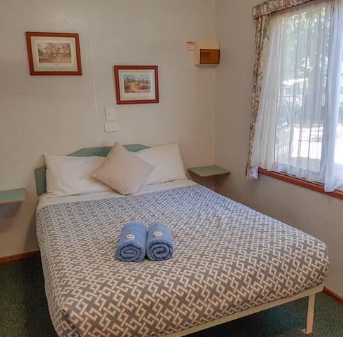 Bed Cabin 1 Jamieson Caravan Park