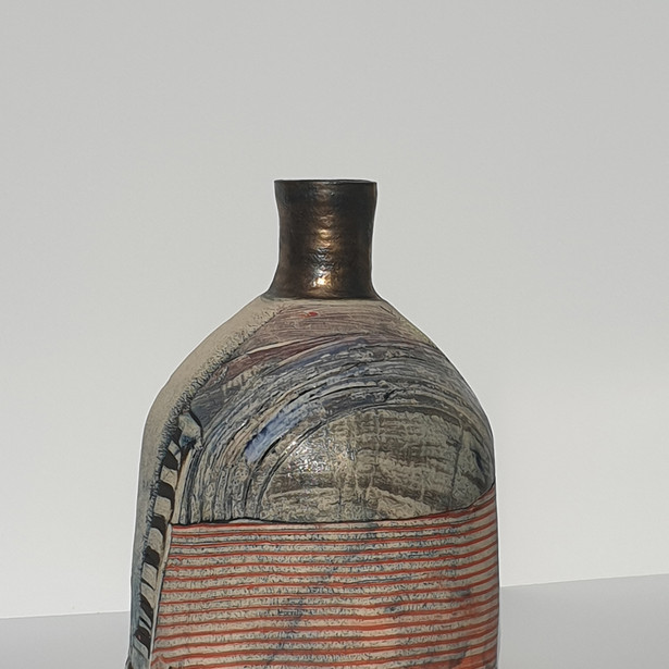 Landscape bottle form