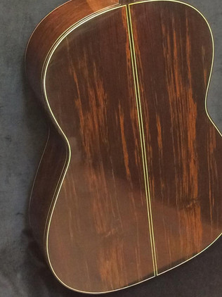 635 scale quarter sawn Brazilian rosewood back.