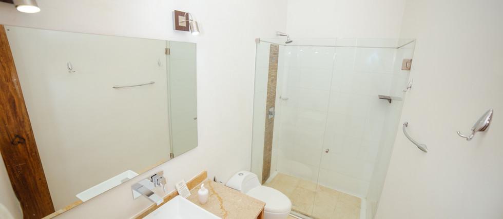BIOMA PREMIUM DOUBLE ROOM - BATHROOM