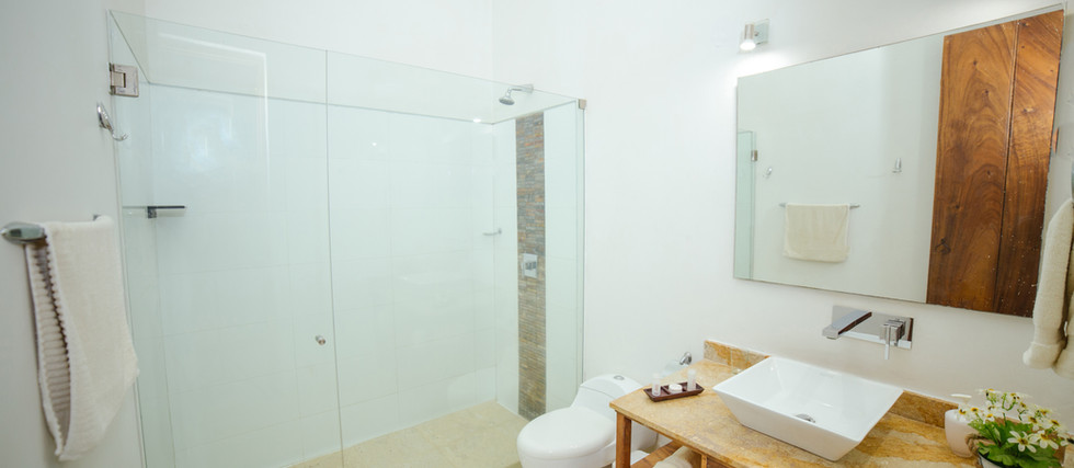 BIOMA PREMIUM DOUBLE ROOM - BATHROOM