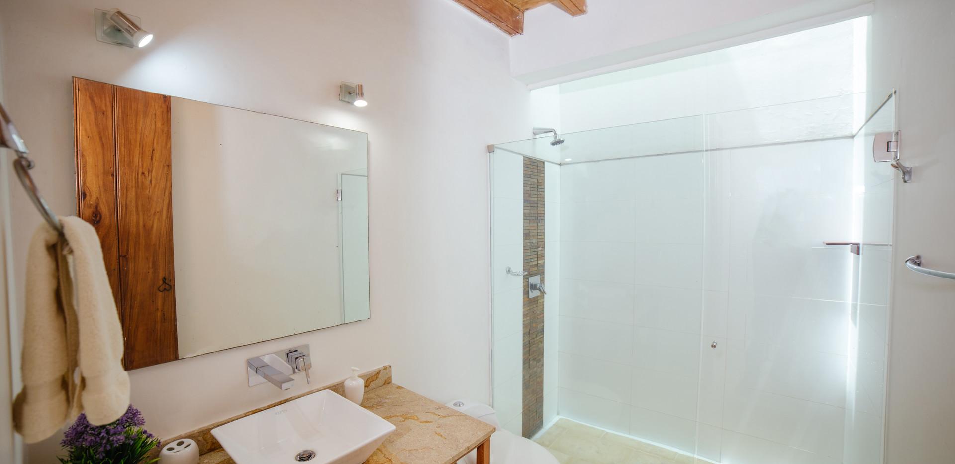 BIOMA SUPERIOR DOUBLE ROOM - BATHROOM