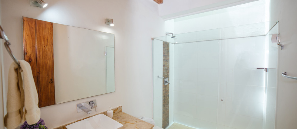 BIOMA SUPERIOR DOUBLE ROOM - BATHROOM
