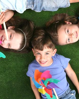 Los niños de molinete