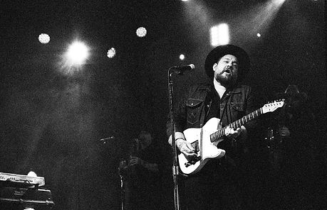 Nathaniel.Rateliff.July.2019.Grey.Hills.