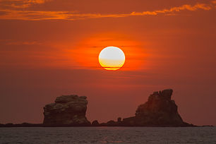 ayampe-ecuador-sunset.jpg