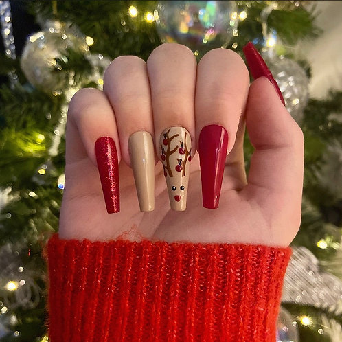 Red Reindeer Nails