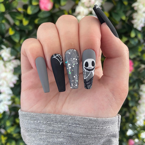 Spooky Skeleton Nails