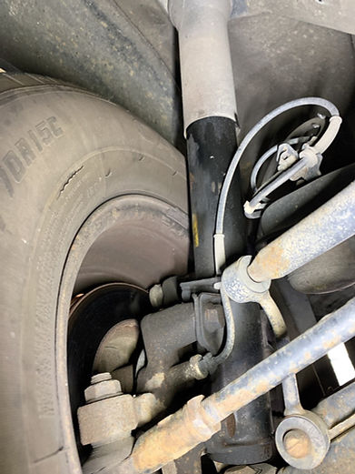 sprinter Front shocks leak.jpg