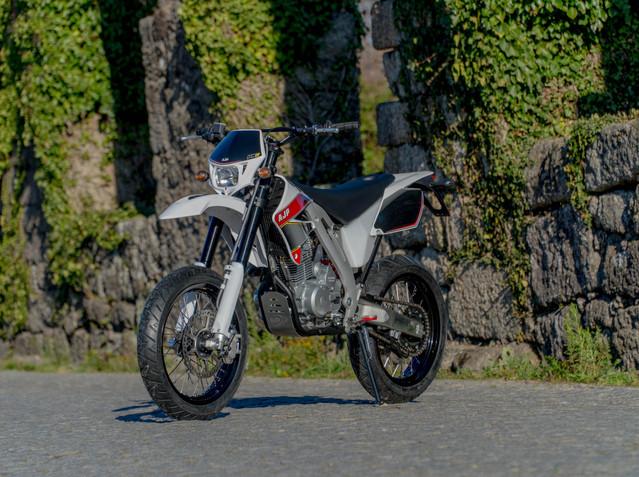 AJP PR3 Supermoto 125/240