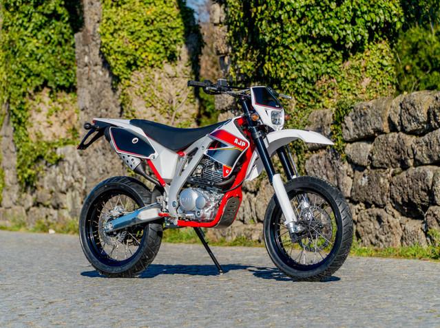 AJP PR3 Supermoto PRO 125/240