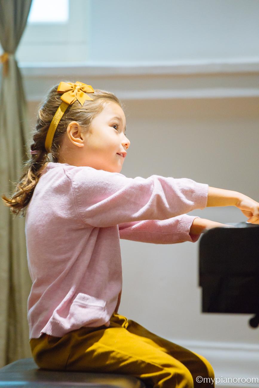 Hana Performing