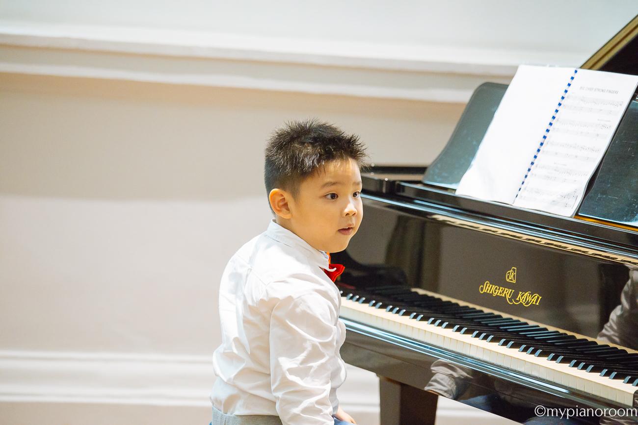 Jun Quan Performing