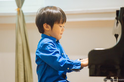 Thaddeus performing