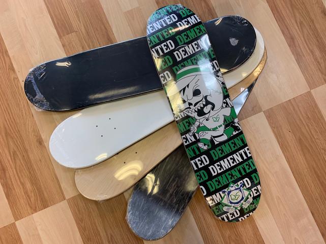DEAD HEAD SKATEBOARDS