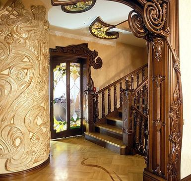 Резной декор фото, дверь +с витражом, плафон витраж фото, лепной декор