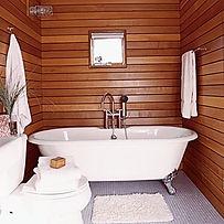 Ванная комната в деревянном доме отделанная тиком