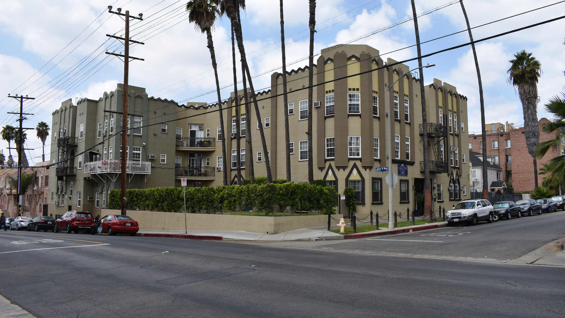 Los Angeles Koreatown Multi-Family Purchase - 39 Units