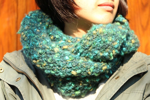 Green Bubbling Snood