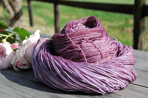 Pale violet-red  銀糸入りメリノスーパーウォッシュ 中細ソックヤーンのコピーのコピー