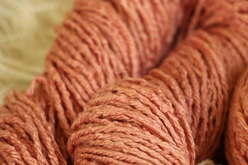 スオウ メリノシルク Al-1 スオウで染めたメリノシルクの毛糸