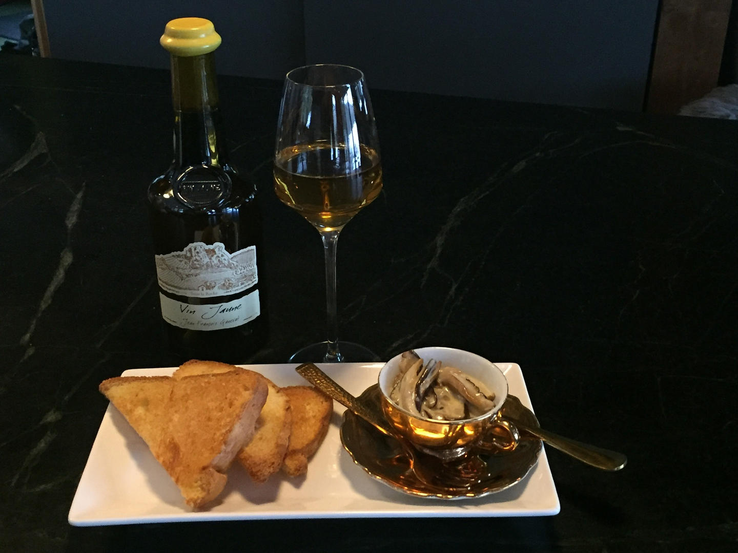 Wine & Hors d'oeuvres