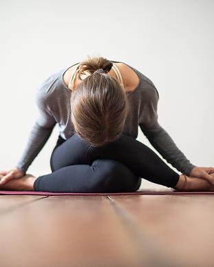 01Sabrina-Hense-ying-yoga-frea-retreats.