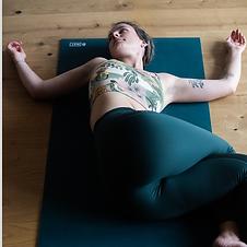03-frea-retreat-yoga.png