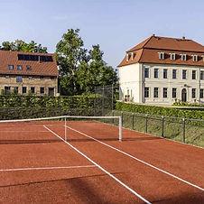 gutshaus-fredenwalde-Tennisplatz.jpg