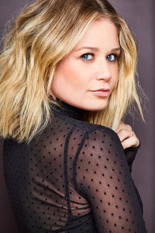 Mikayla Gibson, Mikayla Gibson Headshot, Los Angeles headshots, Cathryn Farnsworth Headshots, la headshots, Best Headshots LA,