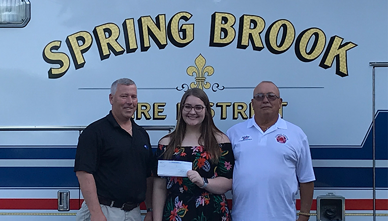 Samantha Stevenson receives her 2018 Fred Webster Scholarship
