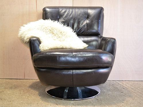 Executive club chair