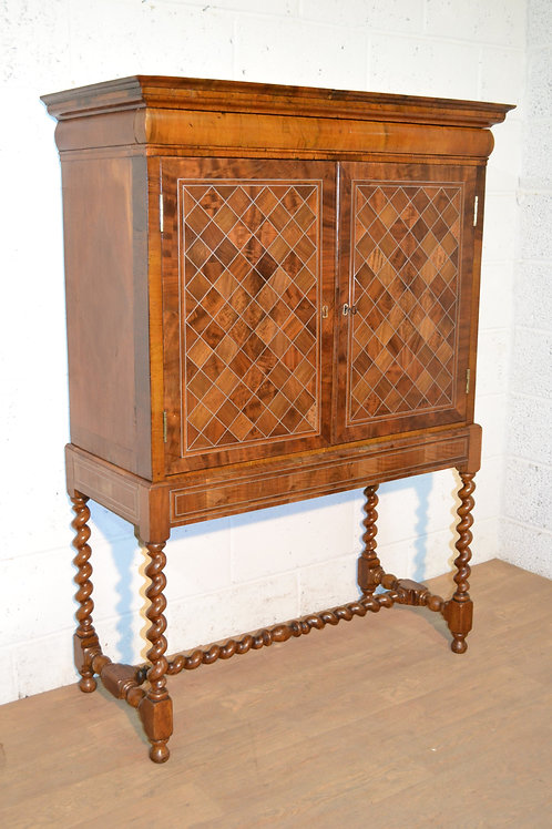 Early 18th Century cabinet on stand