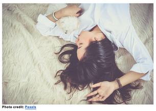 8 Ways to Sleep For Better Skin