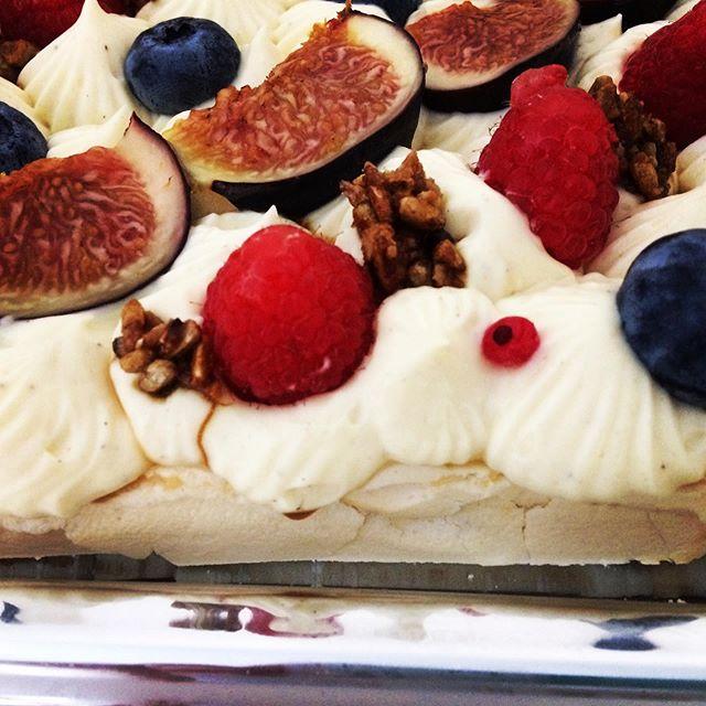 Pavlova ! Merengue, crème et fruits!!!le