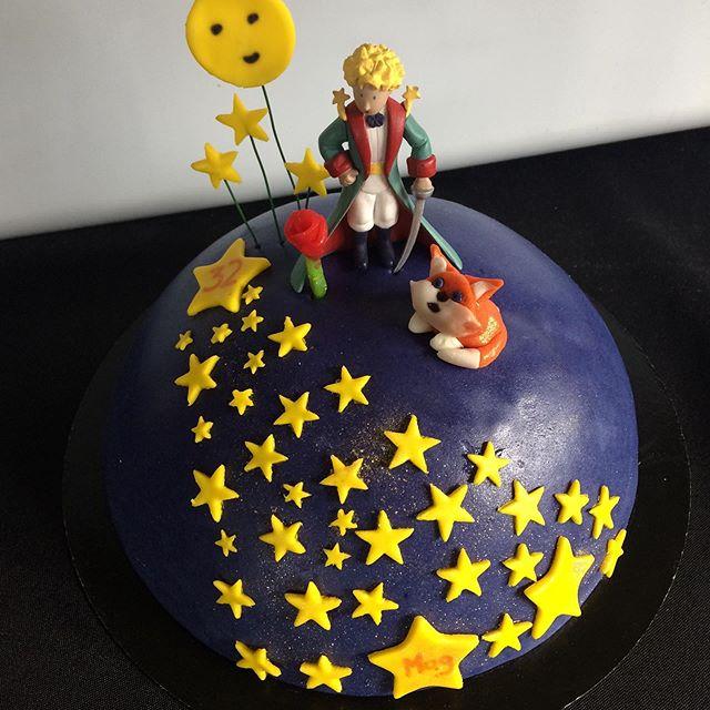 cake design,carrot cake
