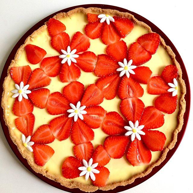 Tarte au citron 🍋 décor fraises et fleu