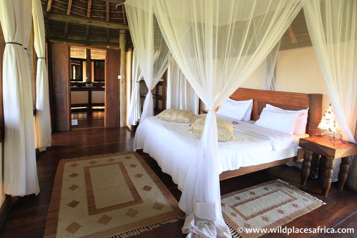 Apoka Bedroom (Luxury Lodge).jpg
