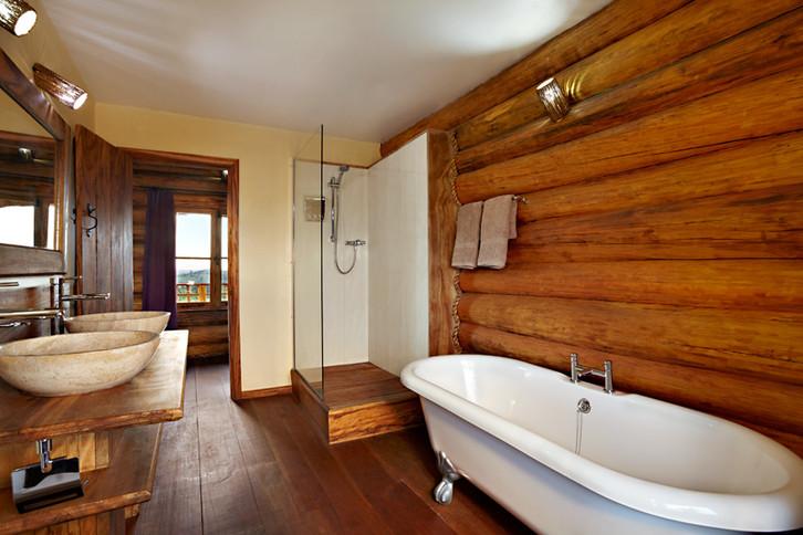 bathroom tanja.jpg