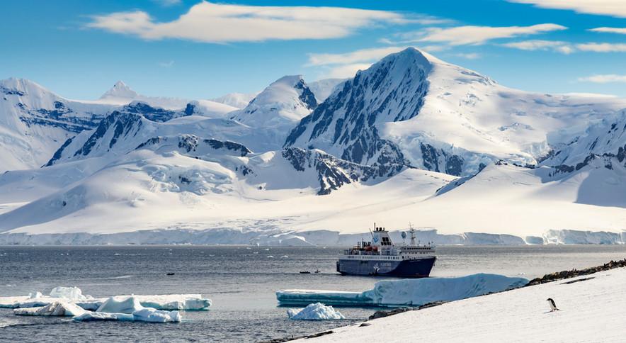 Antarctica_Ocean-Atlantic_Paradise-Bay_A