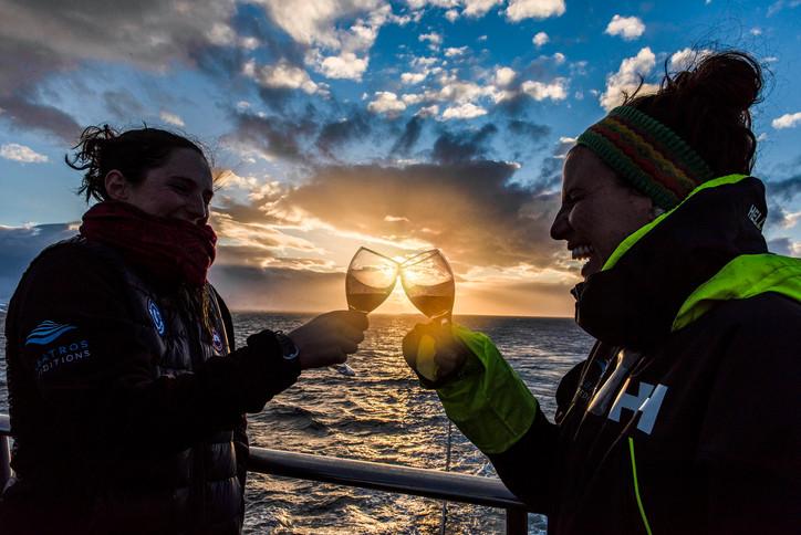 Antarctica_OceanAtlantic_sunset_guests_A