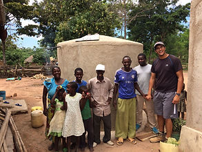 Buiding a water tank for a Tanzanian family